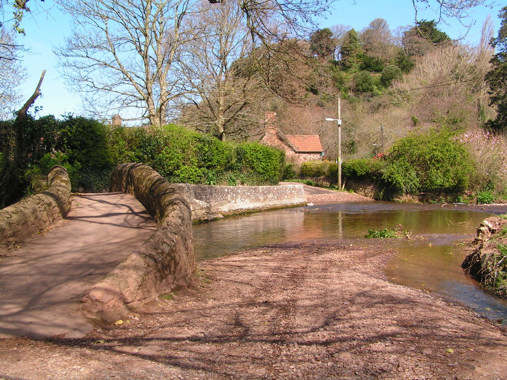 Packhorse-bridge-dunster